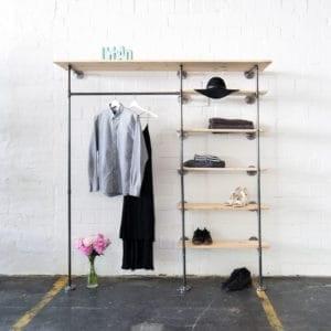 Industriedesign Ankleidesystem aus Wasserrohr und Holz DIY