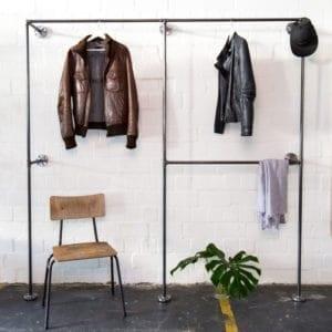 Doppelte Kleiderstange Industrial Design Wasserrohr Metall Moebel selber bauen Wandmontage