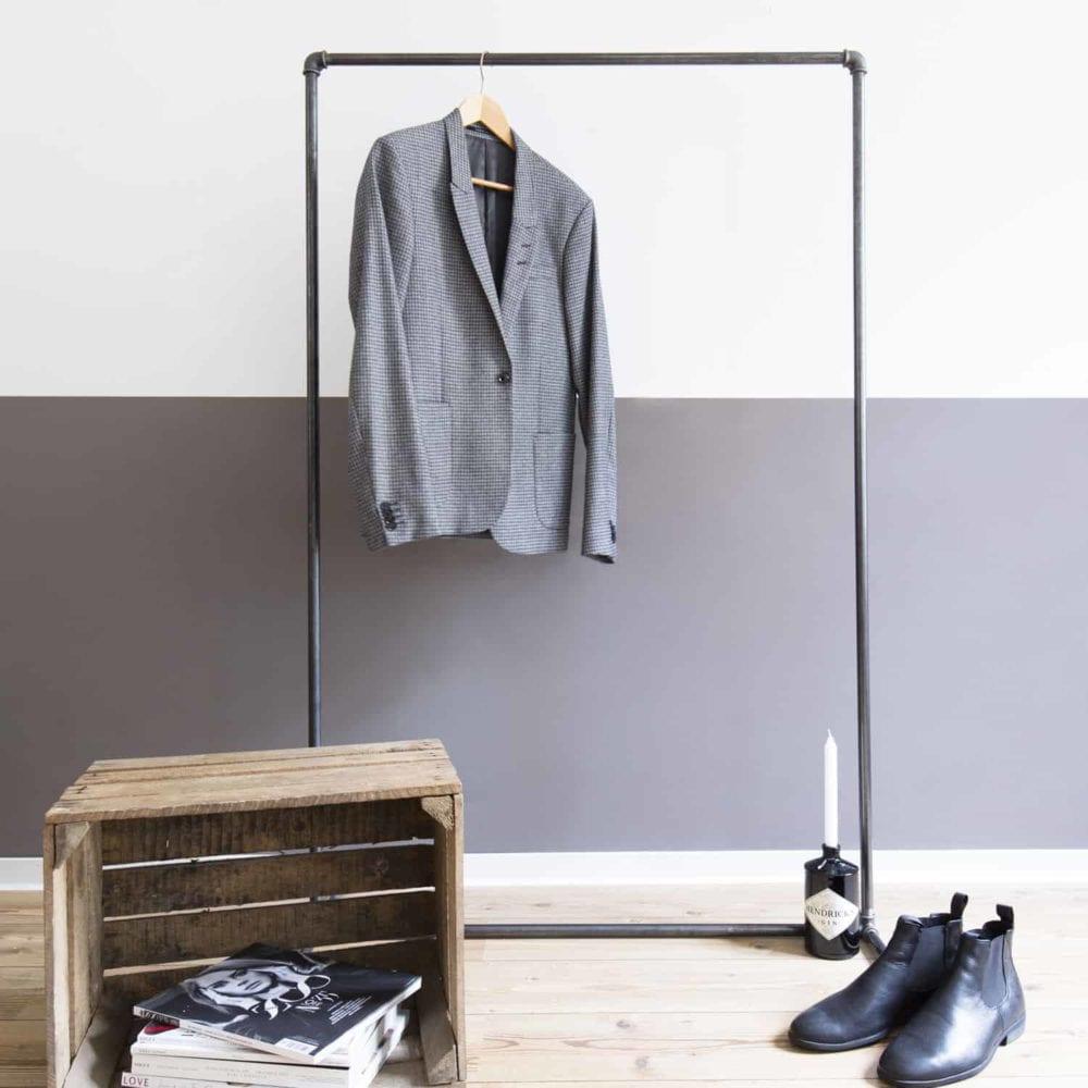 Kleiderstaender industrial Wasserrohr Temperguss