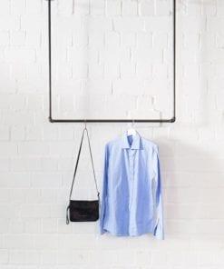 Kleiderstange Deckenmontage Industrial Design Garderobe Temperguss Wasserrohr U-Form an der Decke befestigt