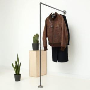 Garderobe Industrial Design Kleiderstange L-Form Stahlrohr Temperguss