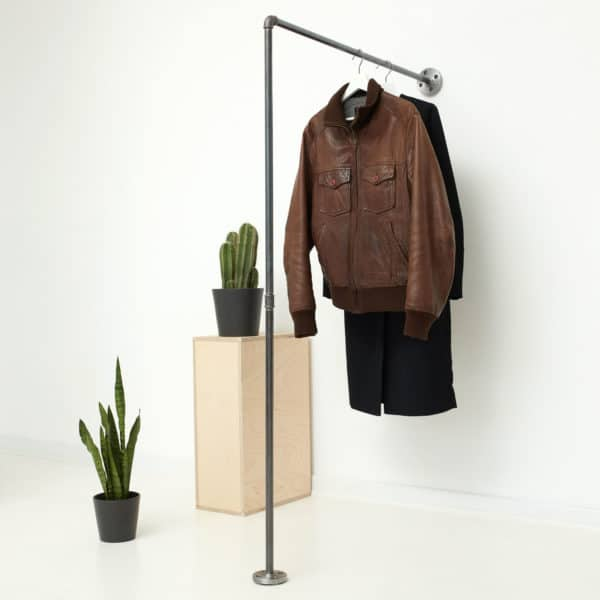 Industrial Design Kleiderstange L-Form Stahlrohr Temperguss