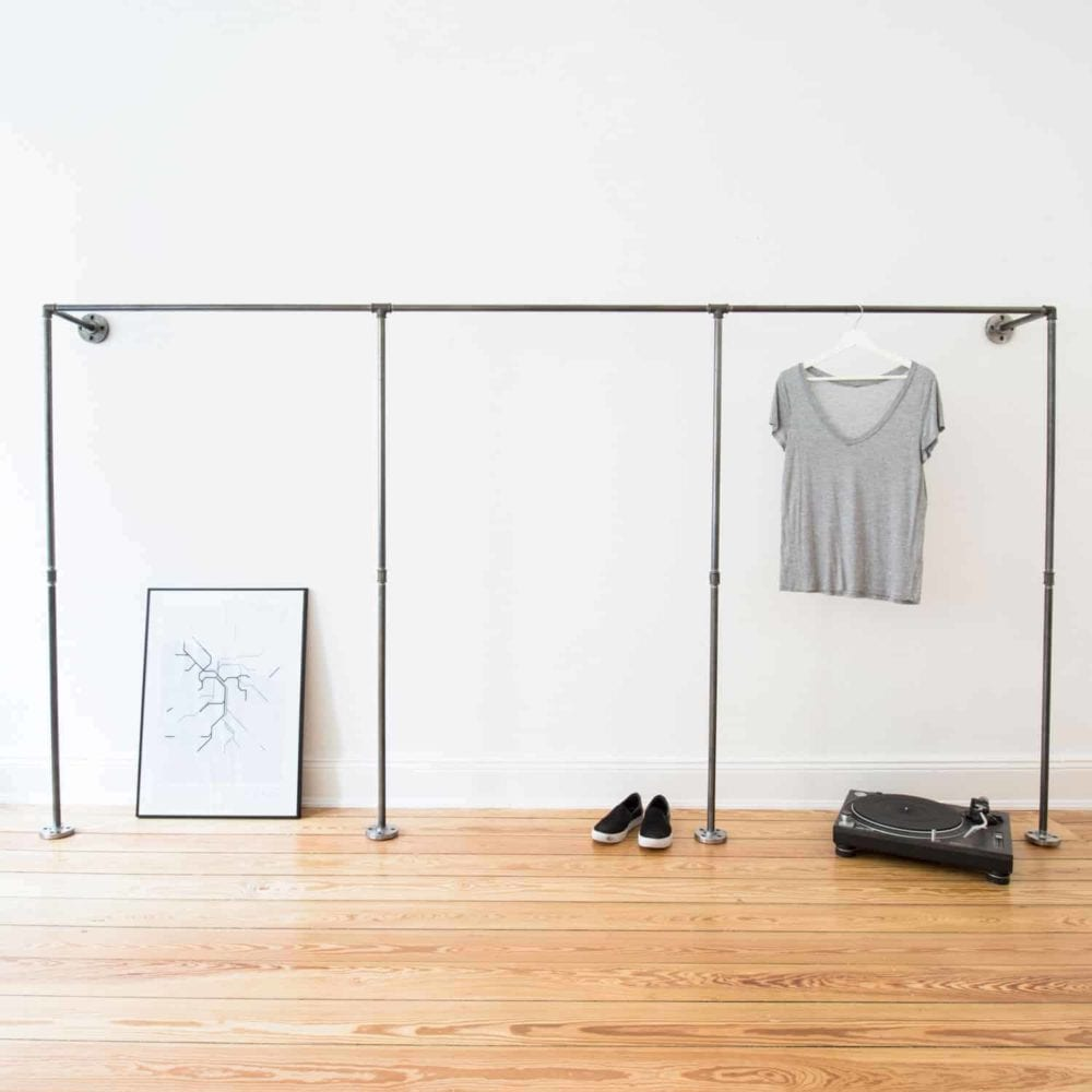 Kleiderstaender Industrial Design Wandmontage Ladeneinrichtung Garderobensystem Stahlrohr Temperguss