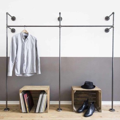 Offener Kleiderschrank Garderobenständer Industrial Design aus Stahlrohr / Wasserrohr (Temperguss)