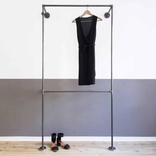 Offene Garderobe Industrial Design Doppelte Kleiderstange Stahlrohr Temperguss auf Mass