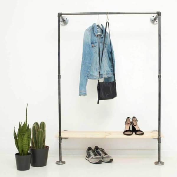 Garderobe Industrial Design mit Schuhregal fuer Flur Schlafzimmer Ankleide aus Stahlrohr und Temperguss selber bauen Wunschgroesse Regal