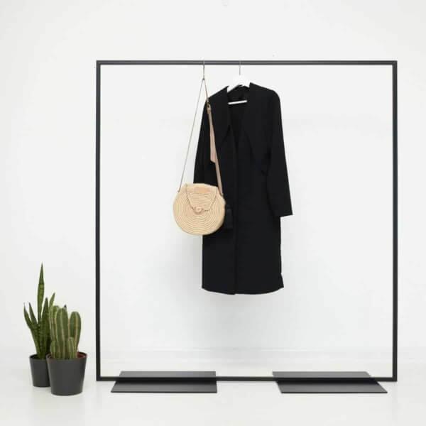 Kleiderstaender Industrial Design Ladeneinrichtung Garderobe aus Metall Stahlrohr geschweisst schwarz pulverbeschichtet skandinavisch