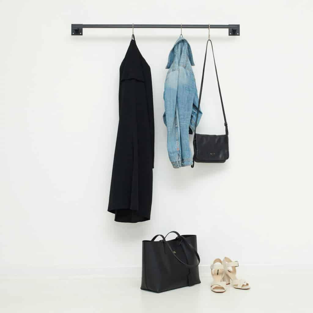 Industriedesign Kleiderstange schwarz skandinavisch aus Metall geschweisst schwarz pulverbeschichtet
