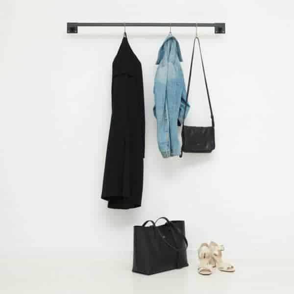 Industriedesign Kleiderstange skandinavisch aus Metall geschweisst schwarz pulverbeschichtet