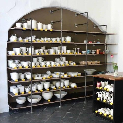 Stabile Regale für ein Keramikstudio