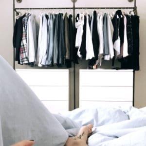 Offener Stahlrohr Kleiderschrank Garderobe im Industrial Design aus Heizungsrohr und Temperguss