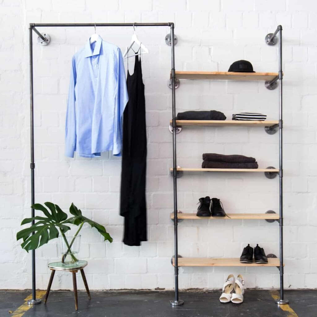 Offener Kleiderschrank Industrial Design Ankleidesystem Temperguss Wasserrohr Metall mit Regal