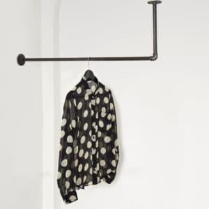 Kleiderstange Industrial Design L-Form unter der Decke