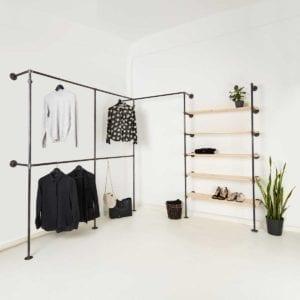 Ankleidesystem aus Wasserrohr Kleiderstange Industrial Design und Tablaren