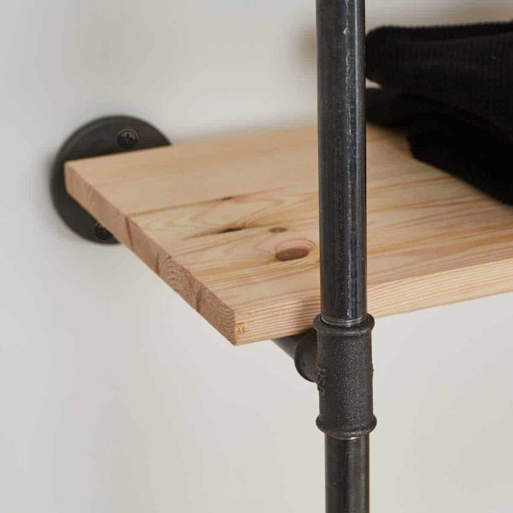 Industrial Style Schranksystem Moebel aus Rohr Metall Temperguss in schwarz mit Regal selber bauen