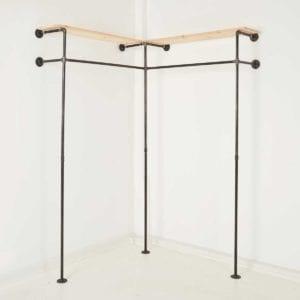 Kleiderschrank Industrial Design Stahlrohr Temperguss Ankleidezimmer