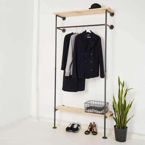 Garderobe Industrial Design mit Hutablage Stahlrohr Temperguss schwarz Metall Ladeneinrichtung