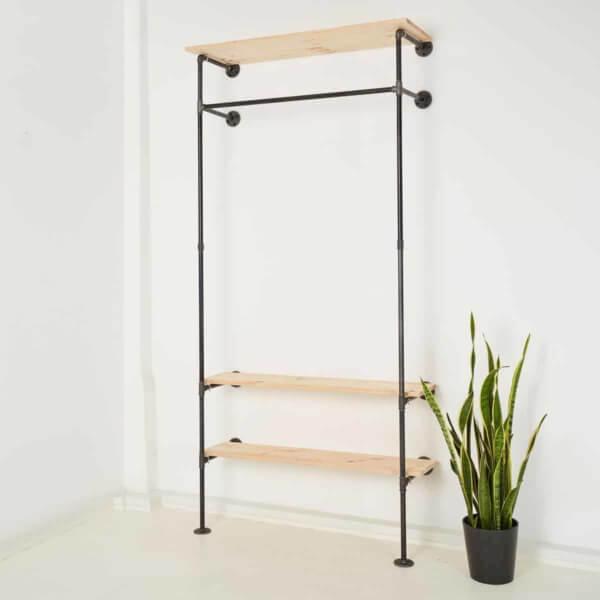 Garderobe Industriedesign Stahlrohr Temperguss Ladeneinrichtung