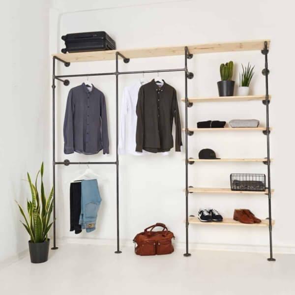 Offener Kleiderschrank Industrial Design
