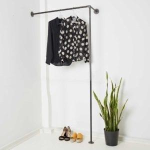 Industrial Design Garderobe Rohr ums Eck für Nische Flur schmal Ankleide Rohrsystem aus Wasserrohr Temperguss
