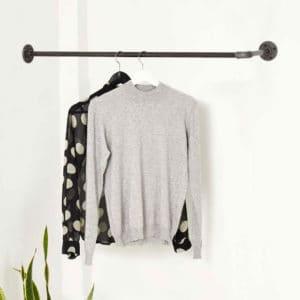 kleiderstange um die ecke l-form industrial design garderobe wandmontage wasserrohr temperguss
