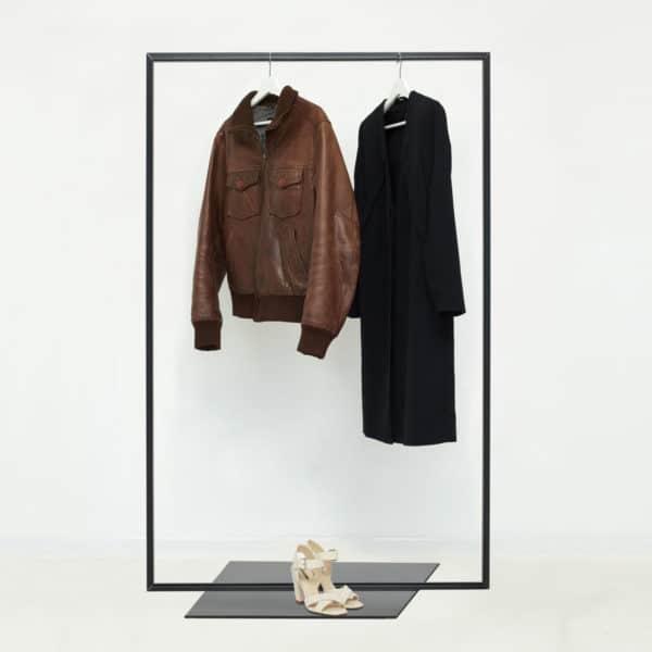 Kleiderständer Industrial Design Kleiderstange freistehend skandinavisch schwarz lackiert pulverbeschichtet Garderobe Garderobenständer